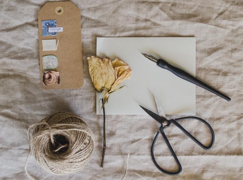 kreatívitás papírral és eszközökkel